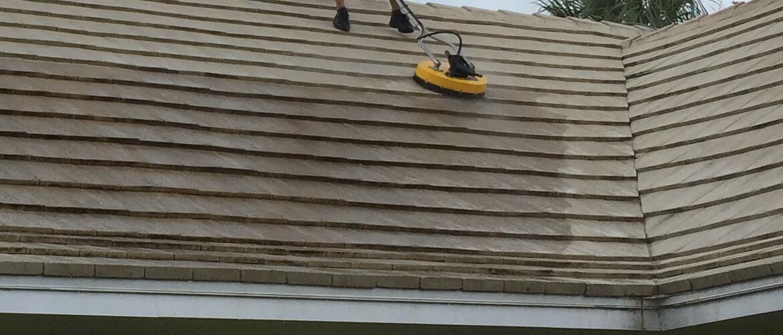 Pressure Wash Tile Roof in Jupiter FL