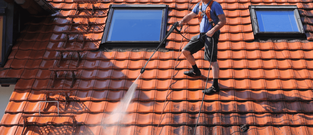 5 Things to Know About Roof Cleaning | Pressure Washing Jupiter, FL
